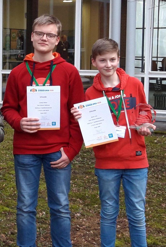 Ludwig Hübner (8f) und Moritz Lück (7e) vom Team Roboter BioBrause.